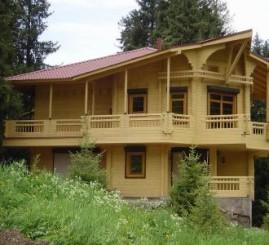 Преимущества строительства домов из профилированного бруса